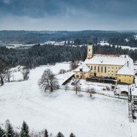 Kloster Reutberg, Luftaufnahme, Sachsenkamm, Alpenvorland, Bayern, Oberbayern, Deutschland | Monastery Reutberg, Sachsenkamm, Bavaria, Germany
